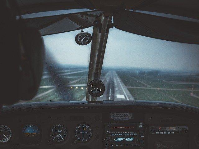Cockpit 4598188 640